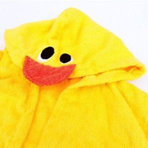 Otroški kopalni plašč s kapuco